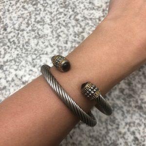 Cable bracelet